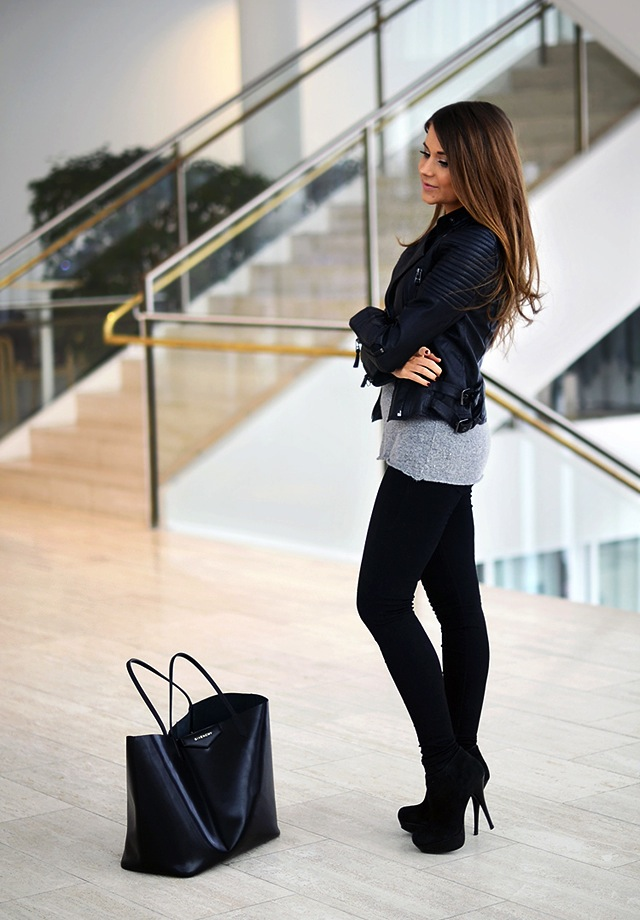 marianna-black-skinny-jeans