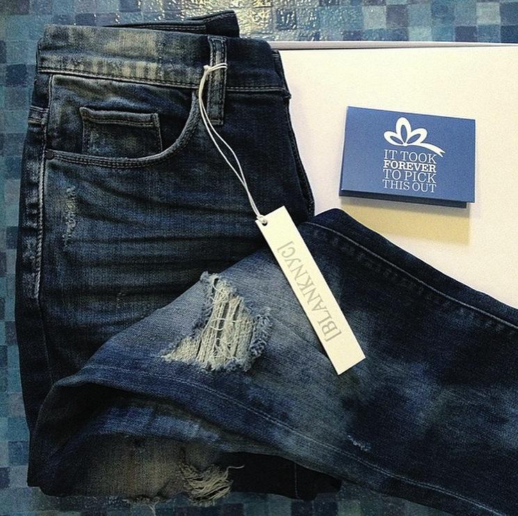 blank-boyfriend-jeans
