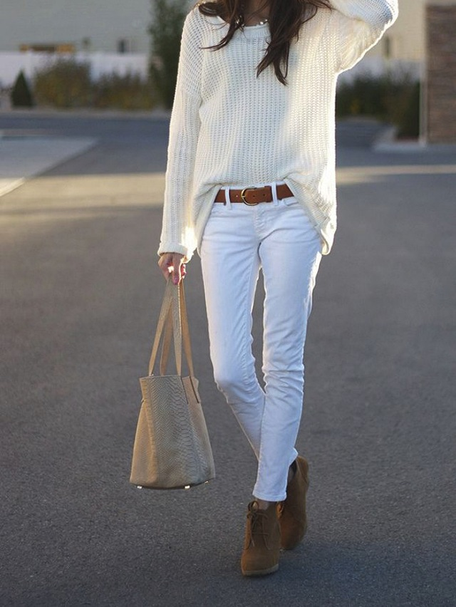 how-to-wear-white-jeans-winter-fall
