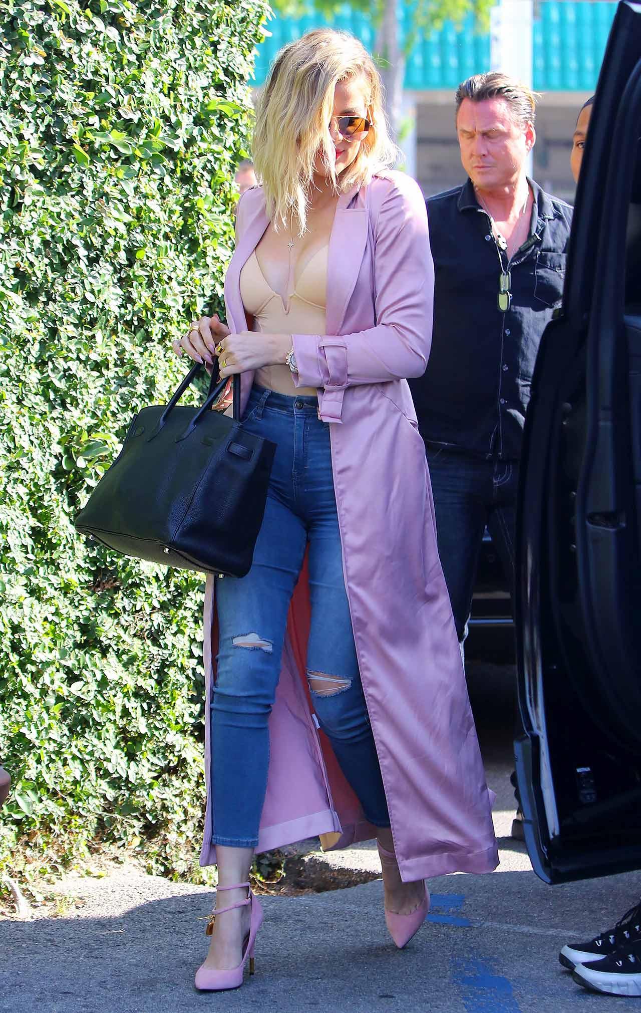 Khloe-Kardashian-Topshop-Moto-Jamie-Jeans