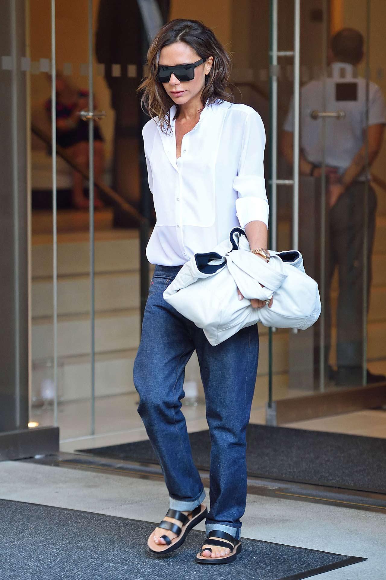victoria-beckham-in-jeans