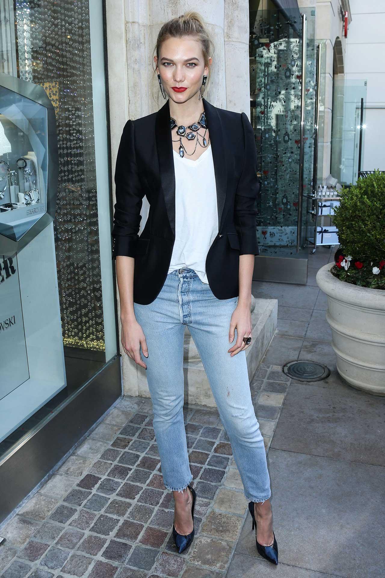 karlie-kloss-redone-levis-jeans