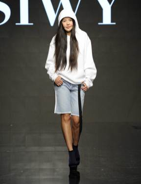 siwy-ss17-runway-show-denim-jeans-7