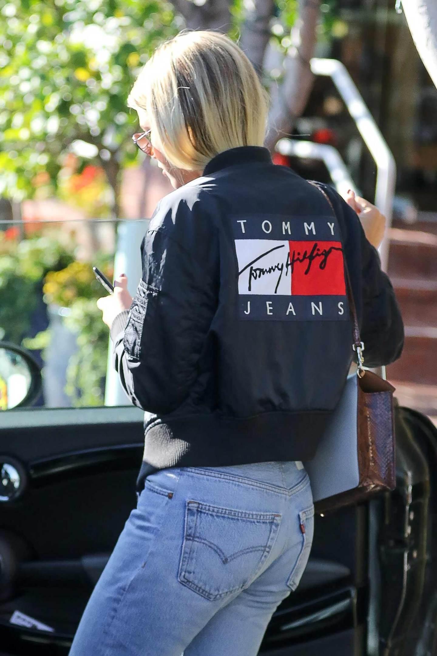 sofia-richie-redone-levis-jeans-2