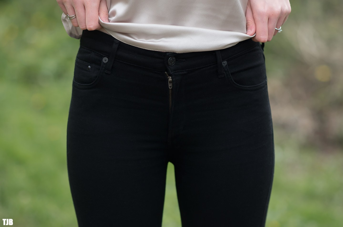 Citizens of Humanity Rocket Crop Jeans in All Black Review