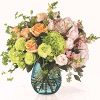 The-FTD-Irreplaceable-Luxury-Bouquet-1