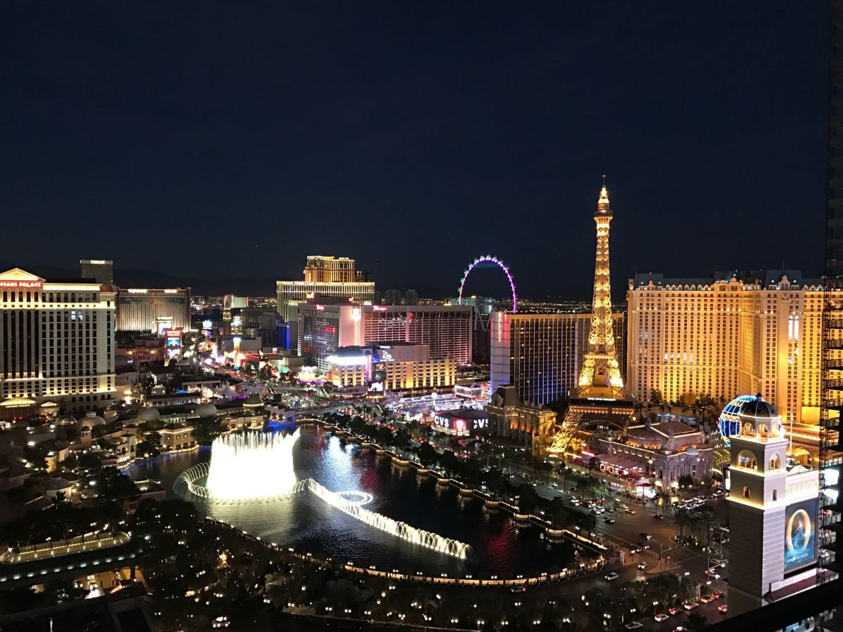 Stop What You're Doing! HotWire is Giving Away 5-Star Vegas Resort Rooms for Only $50