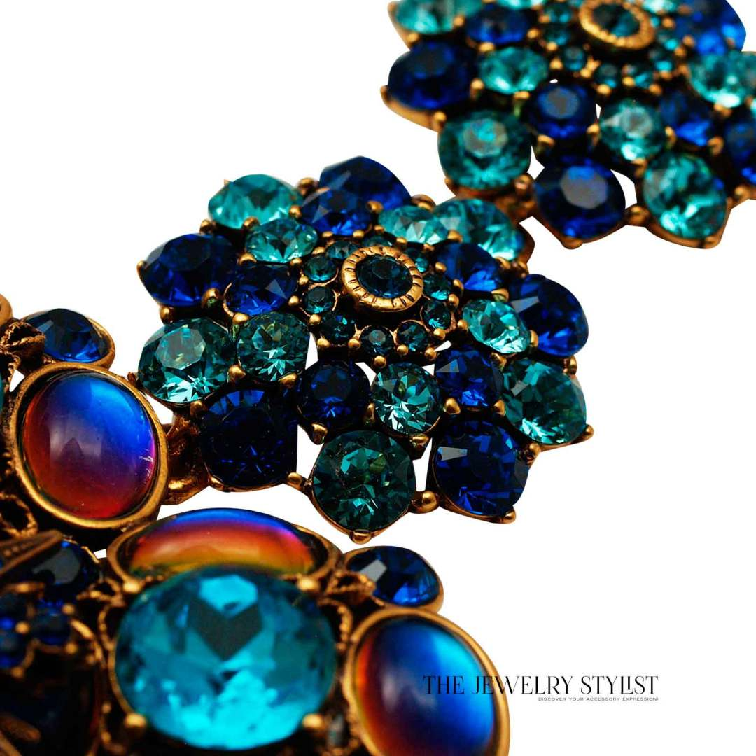 Oscar de la Renta Swarovski Statement Necklace Close-Up