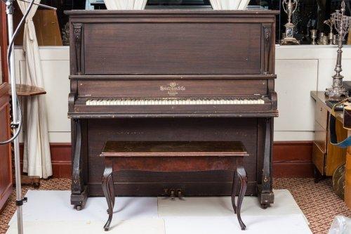 REB SHLOMO'S PIANO. Toronto, First half 20th century. Lot 28