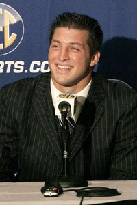 ncf_a_tebow1_sw_200