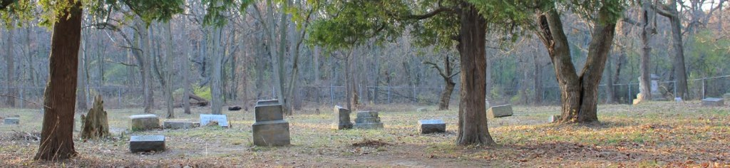 bachelor's grove cemetery is the most haunted cemetery in illinois.