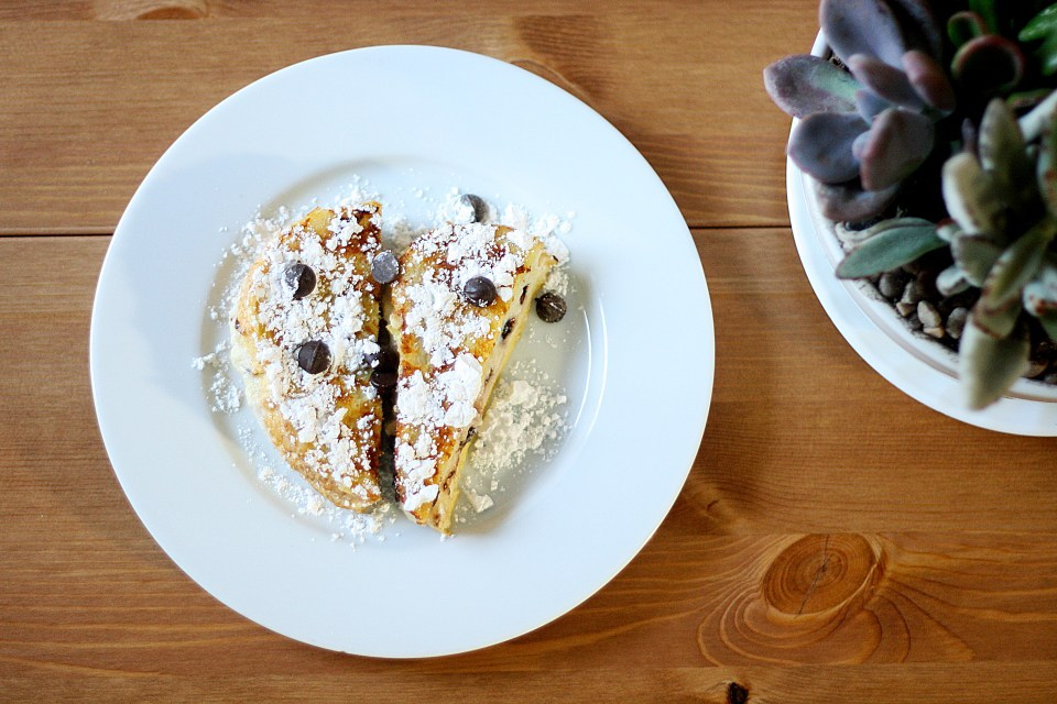 French Poast: Delicious Cannoli stuffed french toast