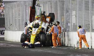 Nelson Piquet Jnr Singapore 2008 Crash© Guardian