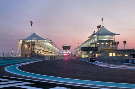 15_Yas_Marina_Circuit_Track_Dusk_Photo_courtesy-of_YMC