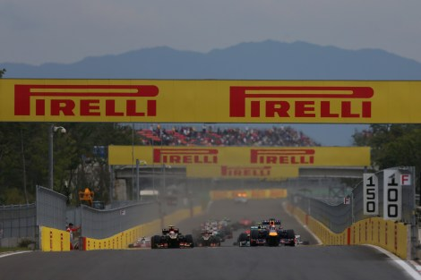 2013-Korean-GP-Sunday-start-shot