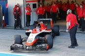 Marussia-MR03 04