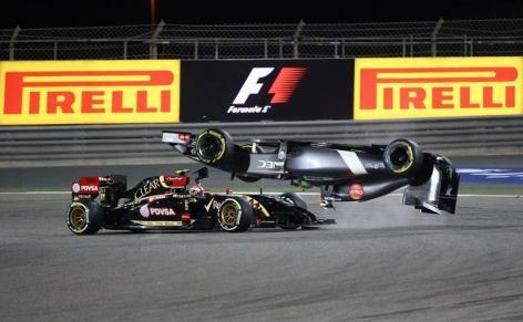 2014 Bahrain Grand Prix - Maldonado Gutierrez Crash