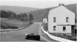 Porsche 917 exits Masta kink
