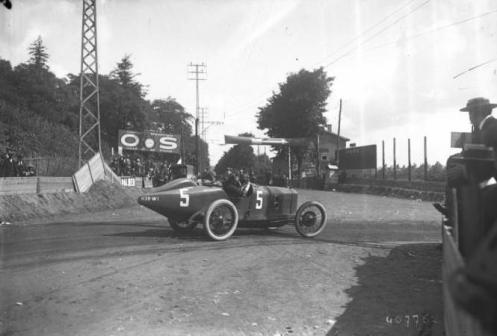 Georges_Boillot_at_the_1914_French_Grand_Prix_(3)