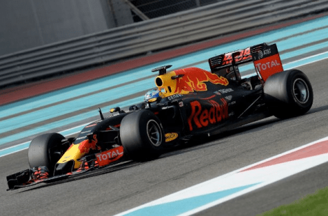 red-bull-2016-with-2017-wide-tyres