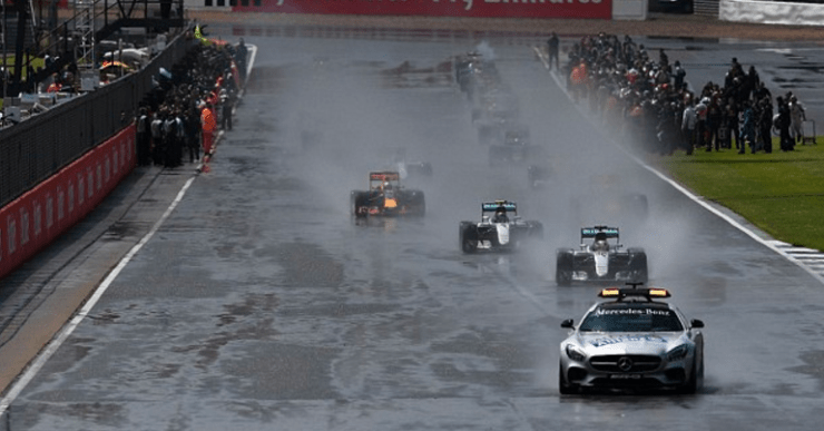 wet start behind the safety car at silverstone 2016