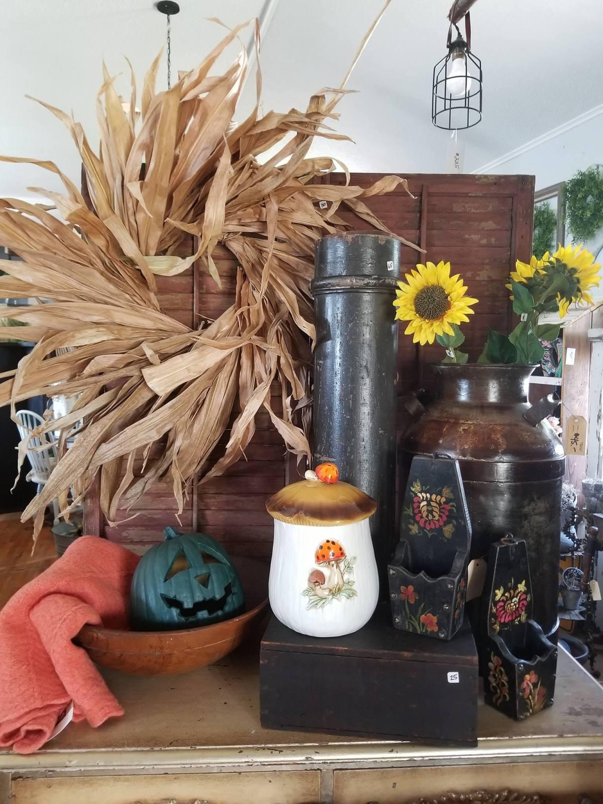 Fall Decor, DIY, The Junk Parlor, Wreath, Corn Stalk, Corn Stalk Leaf Wreath, how to, fall, harvest, decor, decorate