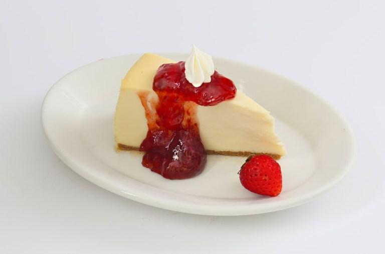 cheesecake, desserts, Greek restaurant in Niagara Falls, Mediterranean restaurant in Niagara Falls, best places to eat in Niagara, vegetarian restaurants in Niagara