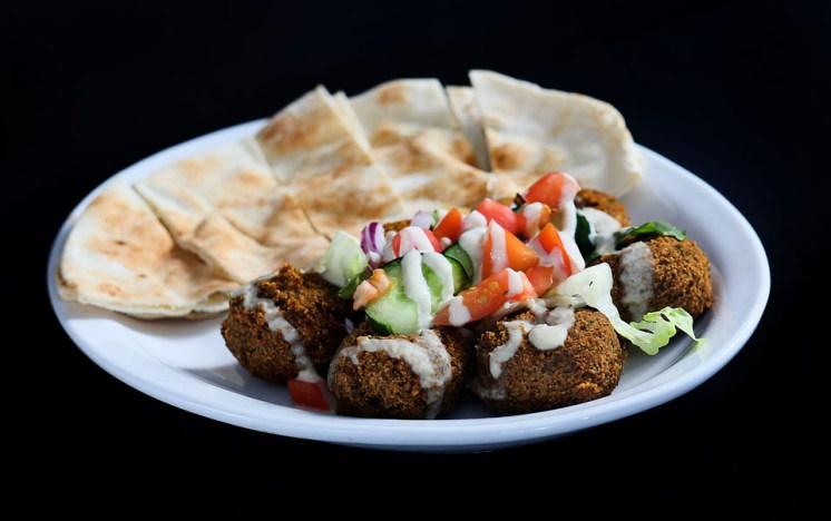 falafel, pita bread, appetizers, Greek restaurant in Niagara Falls, Mediterranean restaurant in Niagara Falls