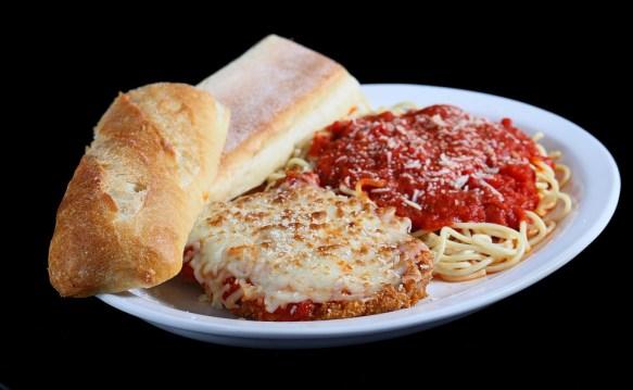 chicken parmesan, spaghetti, dinner specials, Italian food, Mediterranean restaurant in Niagara Falls