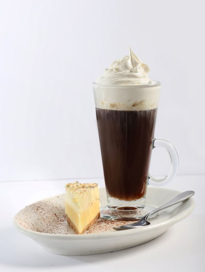 desserts, coffee and cake, specialty coffees, Greek restaurant in Niagara Falls, Mediterranean restaurant in Niagara Falls