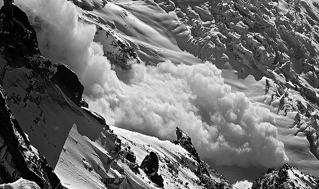 Soldier killed as avalanche hits Army post in Kupwara