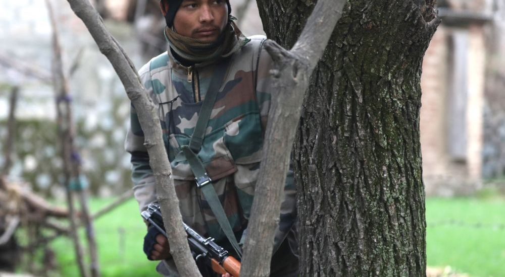 Militant killed, soldier wounded in Shopian encounter