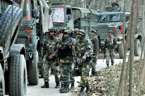 Encounter breaks out in Tral village