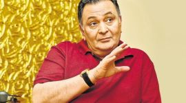 Rishi Kapoor dies after two-year battle with cancer, says brother Randhir