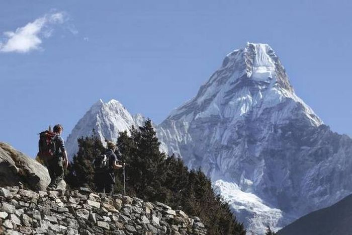 China opens Everest's north side to 38 virus-tested climbers
