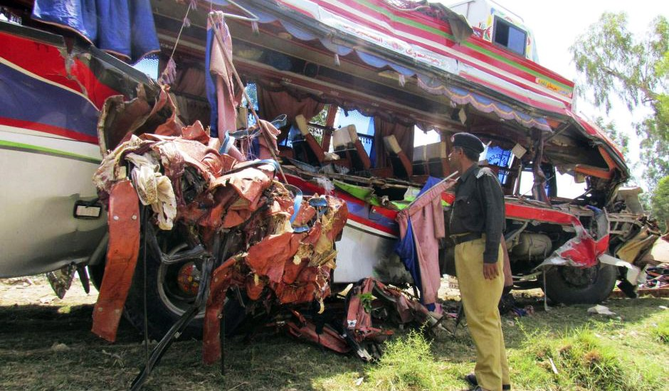 Bus, train collision kills 30 in Pak: report