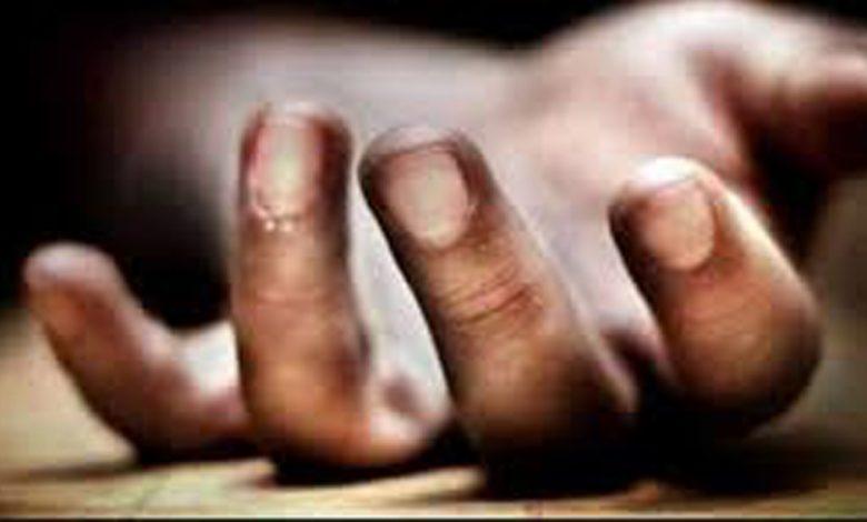 Revenue official found dead in Shopian