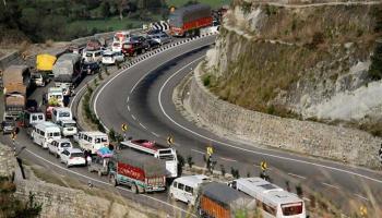 One-way traffic from Kashmir on Jmu-Sgr highway Friday
