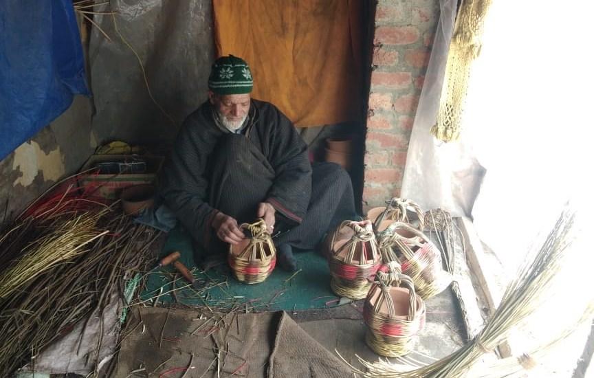Kangri weaving: The art of keeping people warm