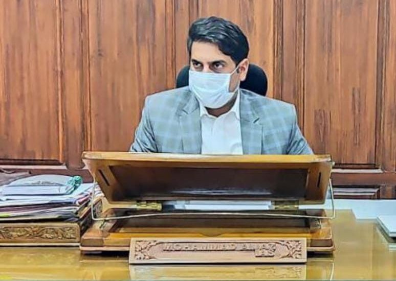 Situation alarming, decision on lockdown after consulting stakeholders: DC Srinagar