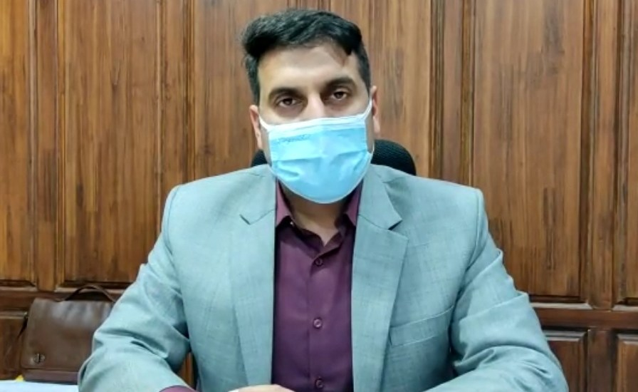 DC Srinagar oversees installation of Oxygen Plants at Chest Disease, SMHS hospitals