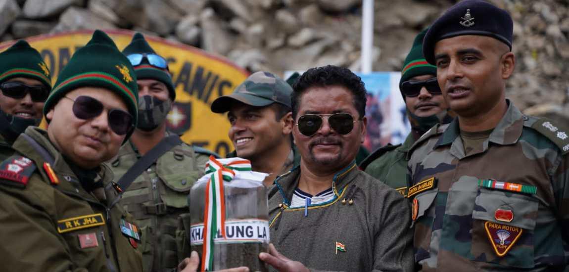 Swarnim Vijay Varsh Victory Flame reaches Khardung La