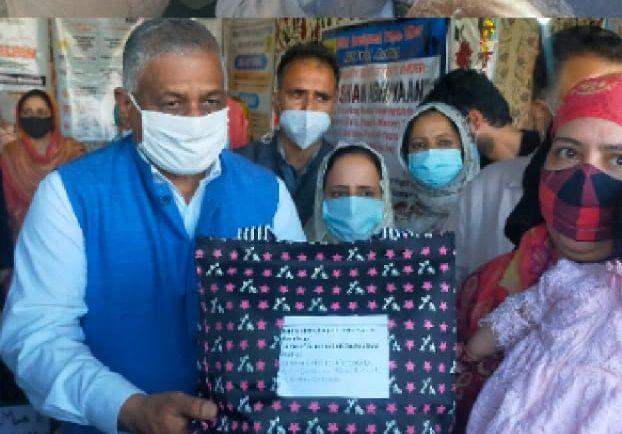 Union MoS Dr. V. K. Singh visits Anantnag