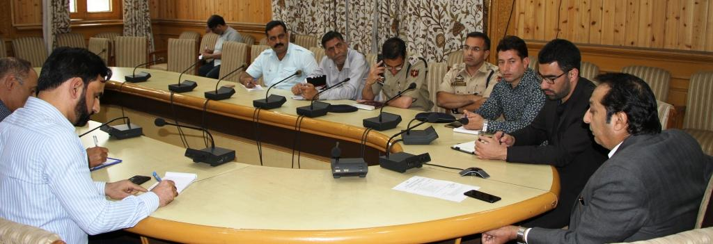 Divisional Commissioner directs DCs to constitute squads to check attendance in government offices | The Kashmir Press