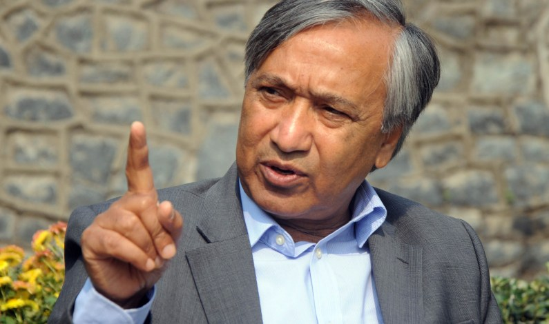Tighten noose around officials involved in corrupt practices, Tarigami to Vohra
