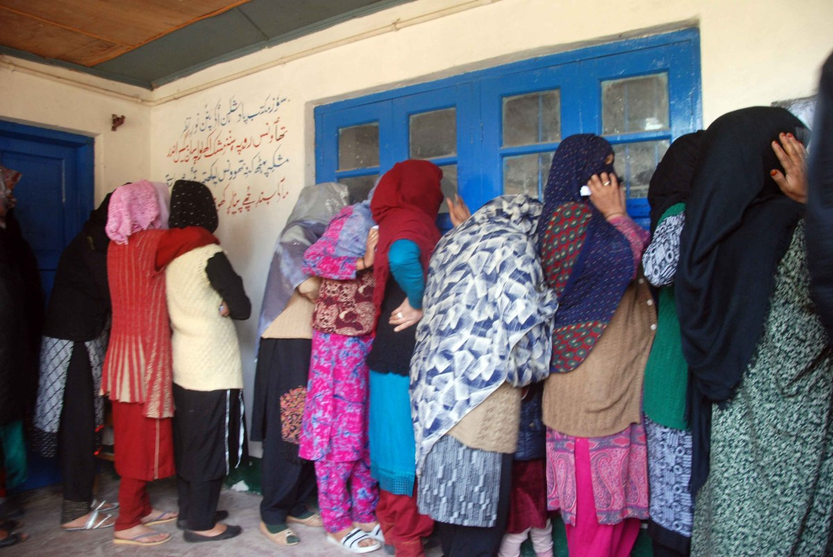 Lok Sabha Polls: Clashes rock Budgam parts amid polling for second phase