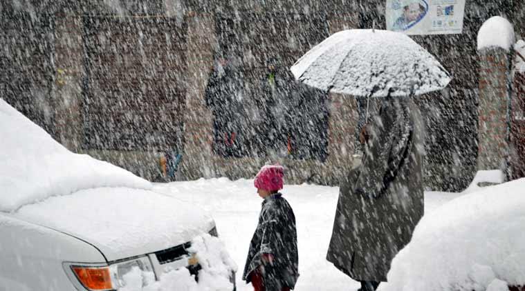 Kashmir receives fresh spell of snowfall, heavy rains
