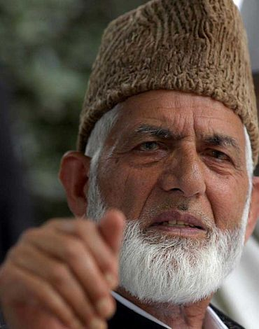 After surrendering conscience,even faith, they are not trusted rather humiliated: Geelani tells mainstream leaders