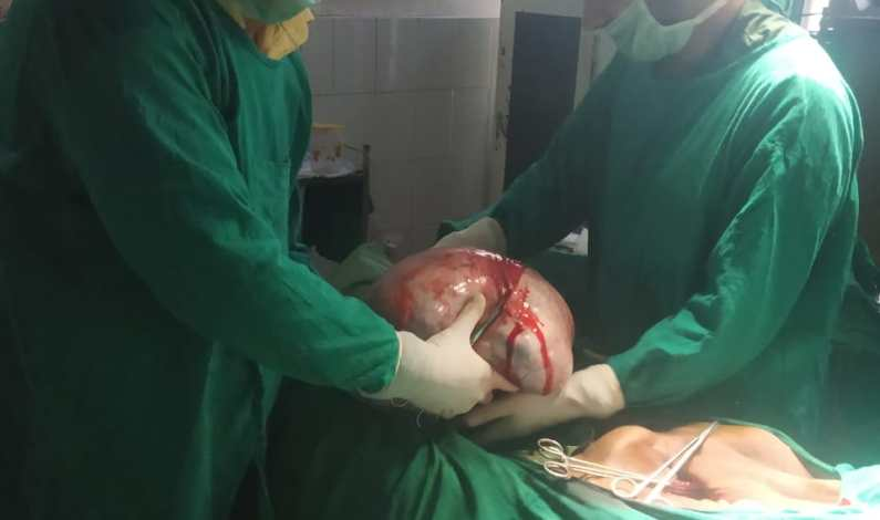 Doctors remove 25 kg ovarian cyst from 72-yr-woman at Anantnag nursing home