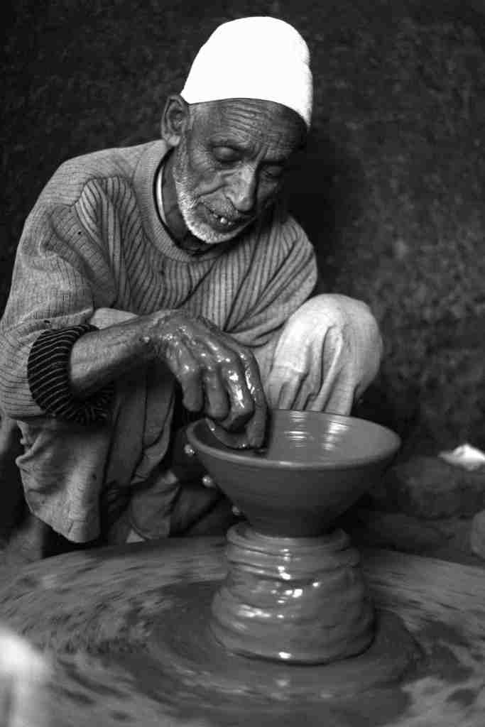 Kashmir pottery - mud art - kashmir 3